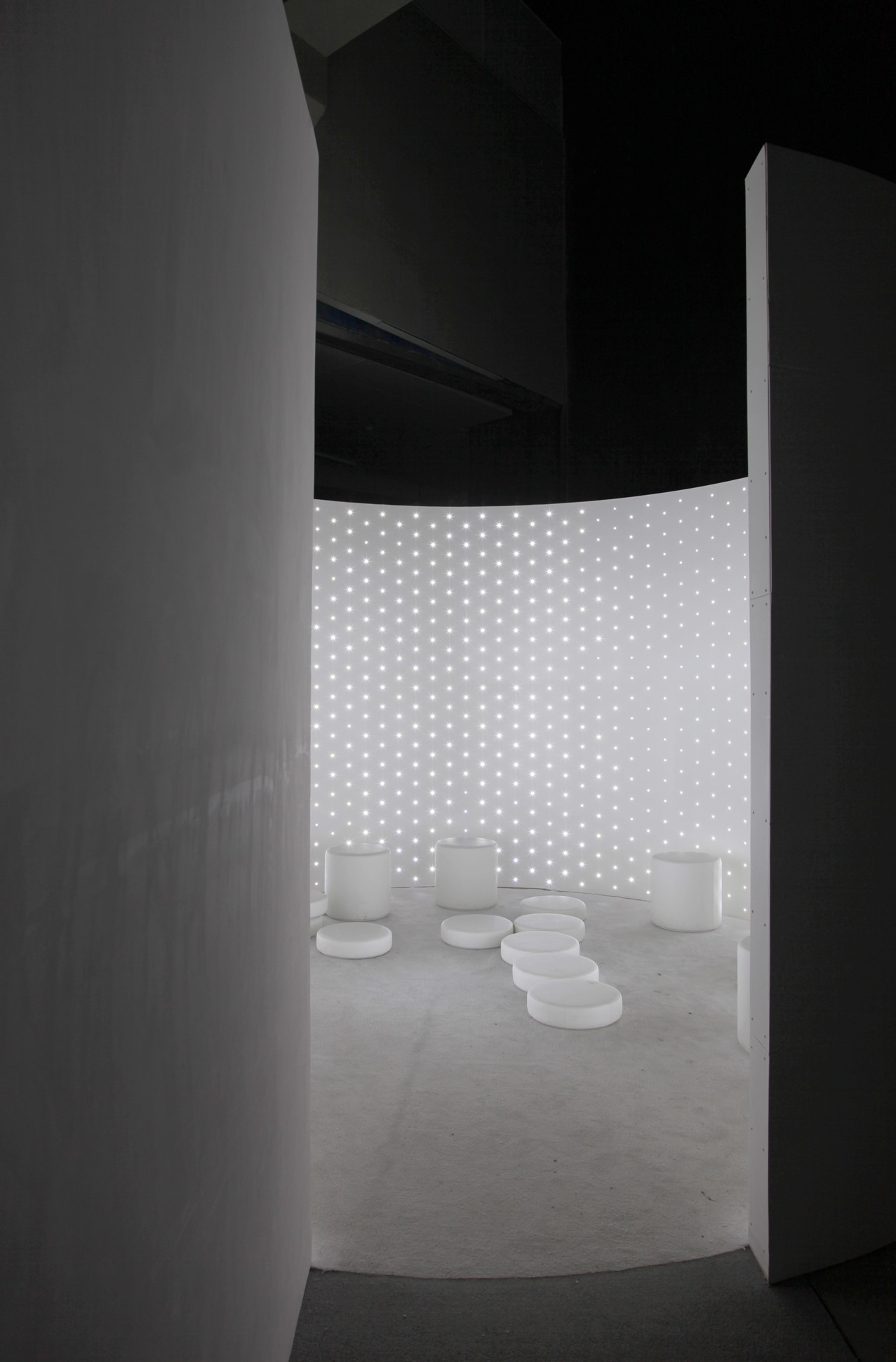 Disorientation Station (White), 2016