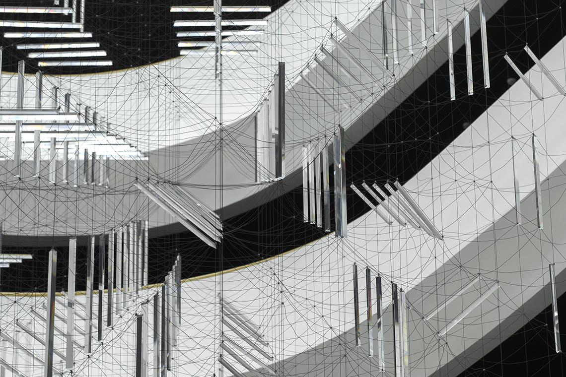 RIDDLES / Perceptual Multi-stability vs Multi-dimensional places